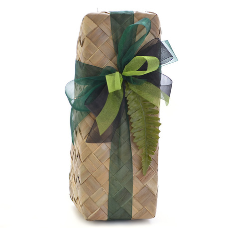 Wine and Nibbles Gift Basket image 1