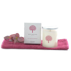 Royal Doulton Candle - Rose, Sweet Pea and Sandalwood