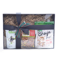 International Beer and Bar Snacks Gift Box